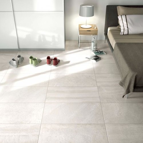Carrelage grand format clair chambre